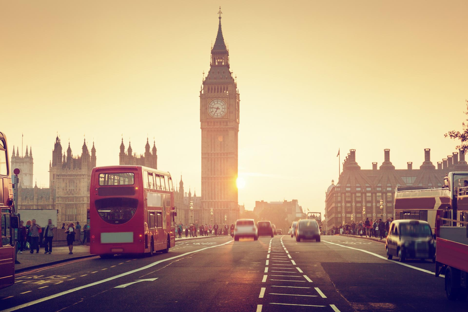 Anochecer en Westminster y el Big Ben de Londres