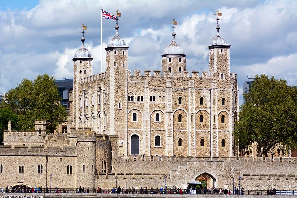 Torre de Londres y el Palacio de Buckingham en un tour