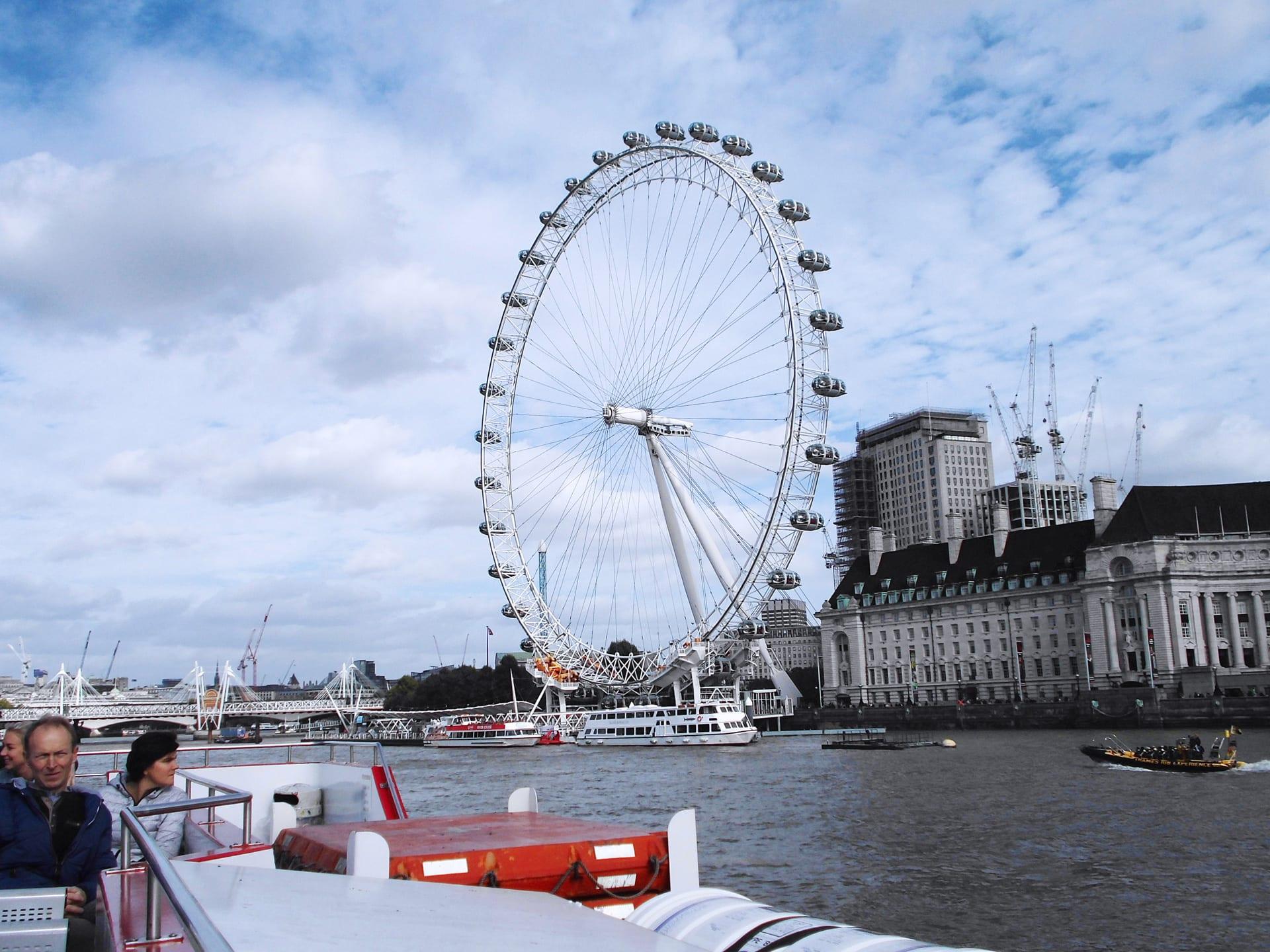 Paseo en Barco por el Támesis incluido en los autobuses Hop on hop off de Londres