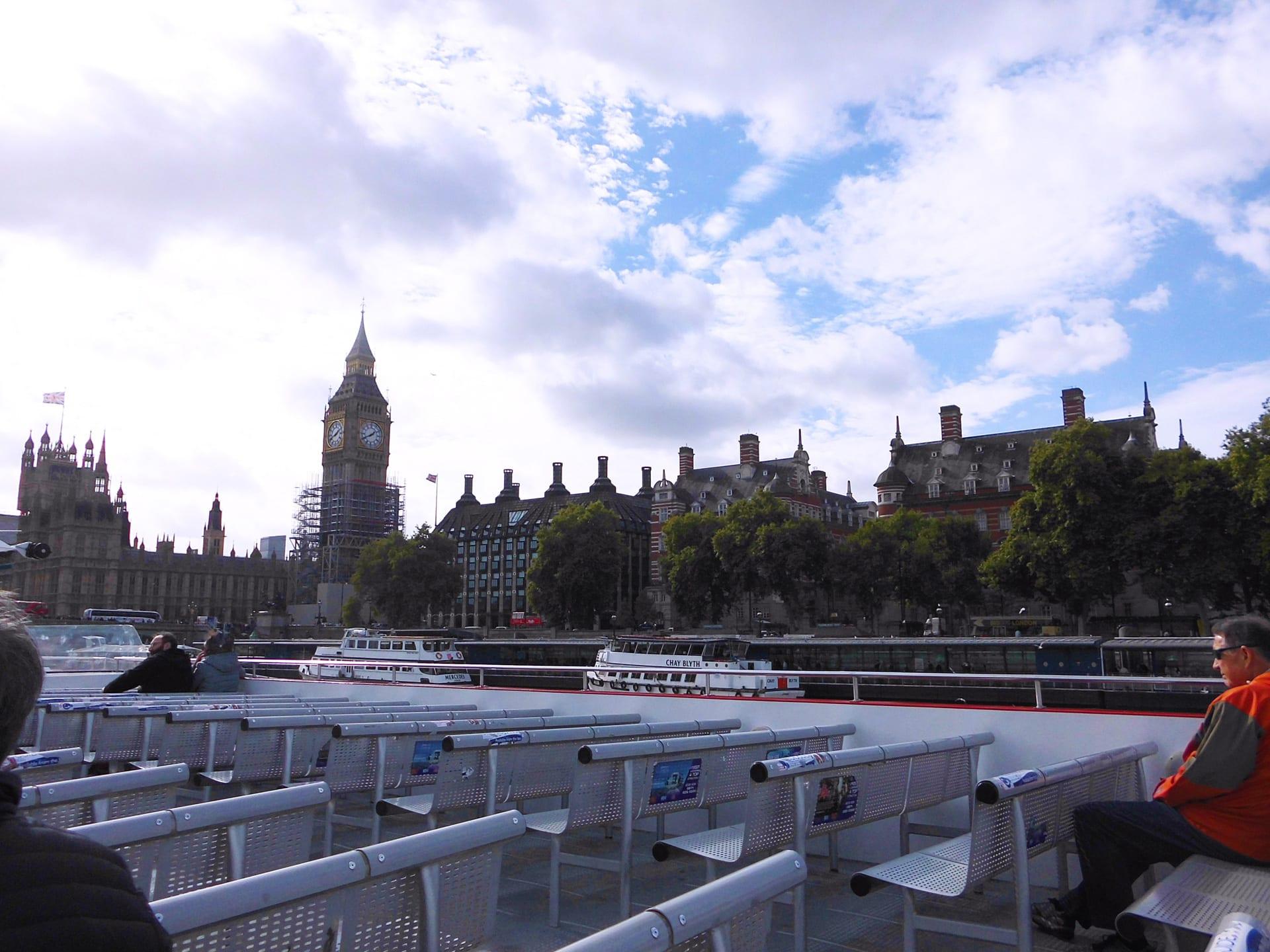 Paseo en Barco por el Támesis incluido en los buses Hop on hop off de Londres