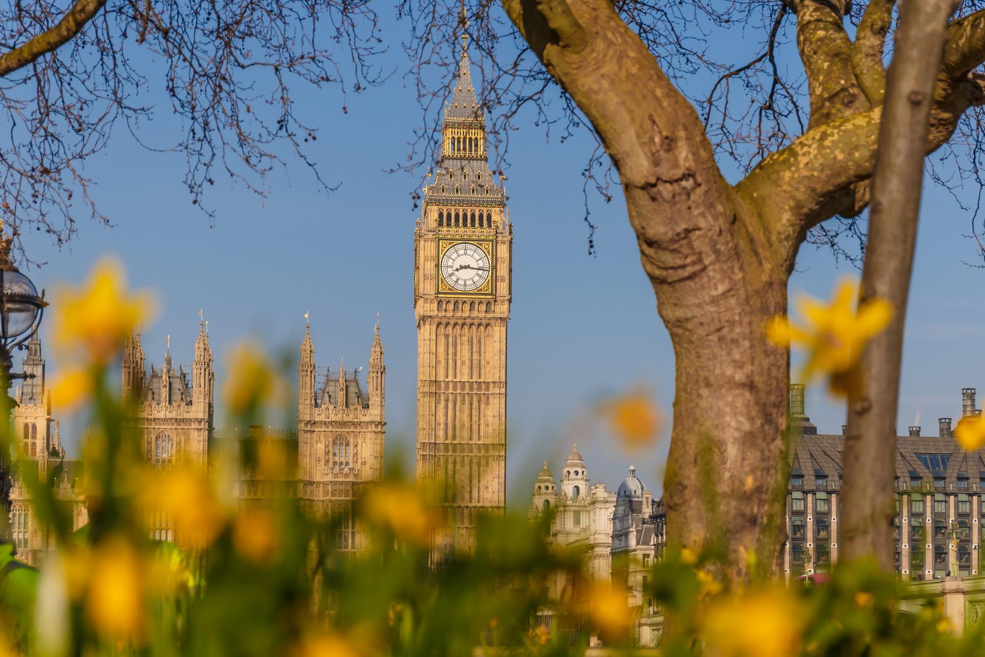 El Big Ben de Londres en primavera