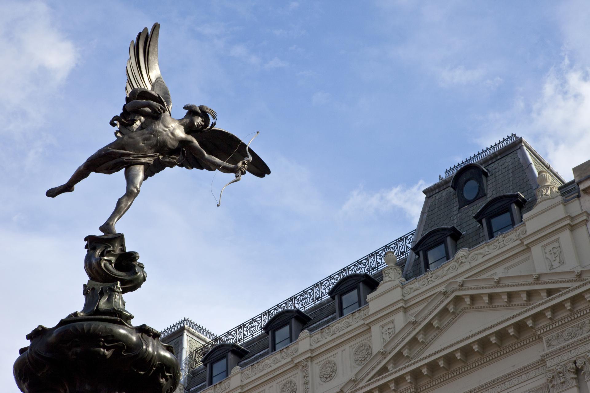 Monumento en Piccadilly Circus: Figura de Eros