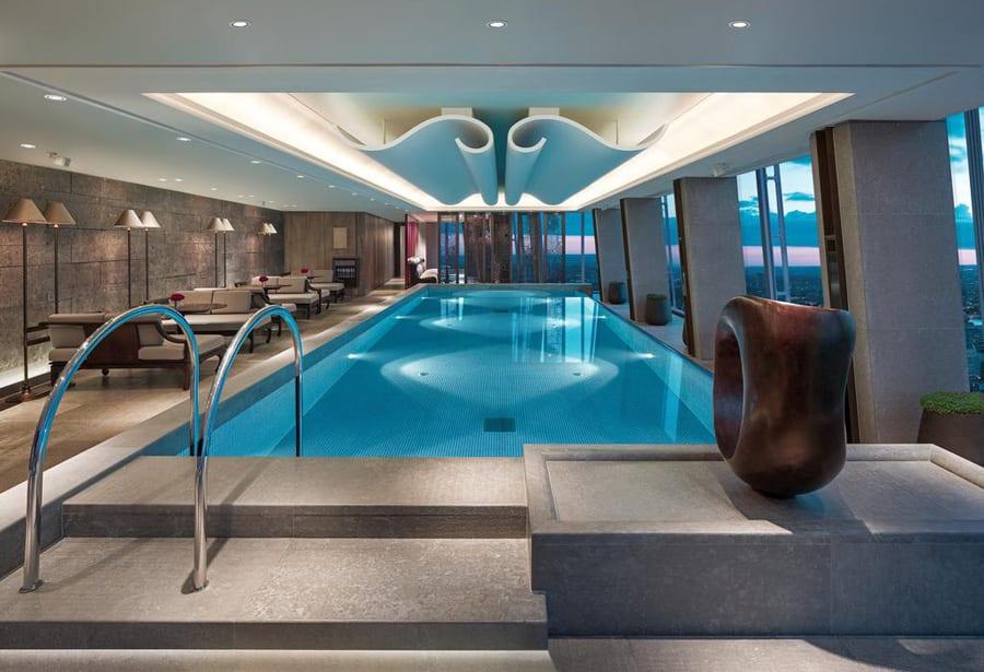 Piscina en el Hotel Shangri-La de Londres