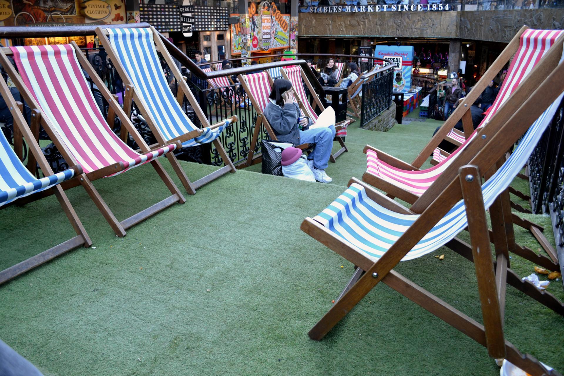 Descansar en el Mercado de Camden de Londres