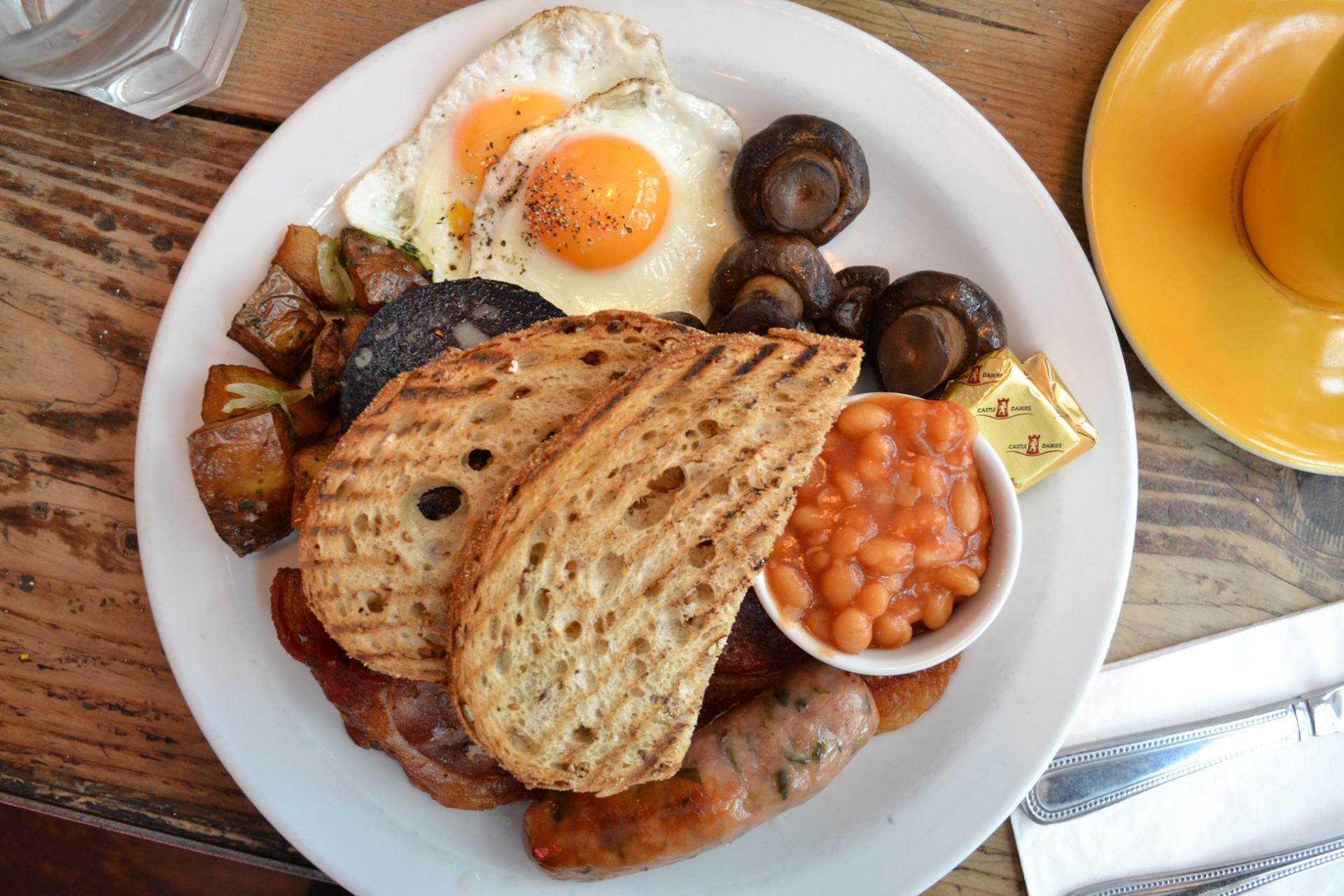 Desayuno ingles en Londres: The Breakfast Club