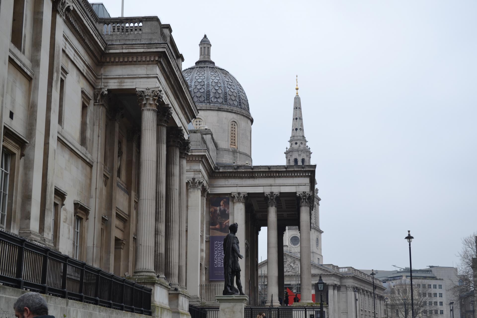 La national Gallery desde un lateral de Trafalgar Square