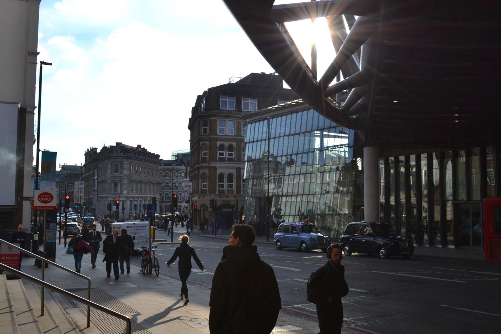 Borough Market desde el metro de London Bridge
