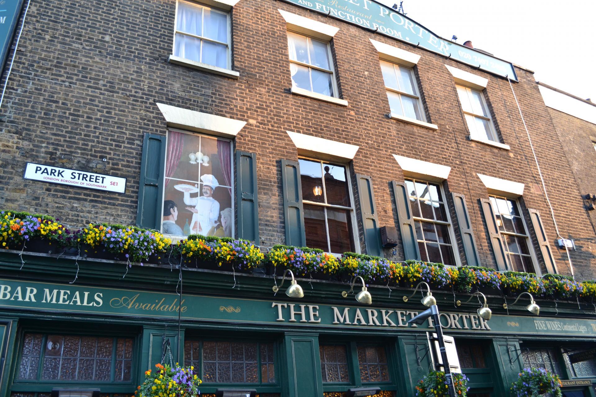 Pub en el Borough Market de Londres