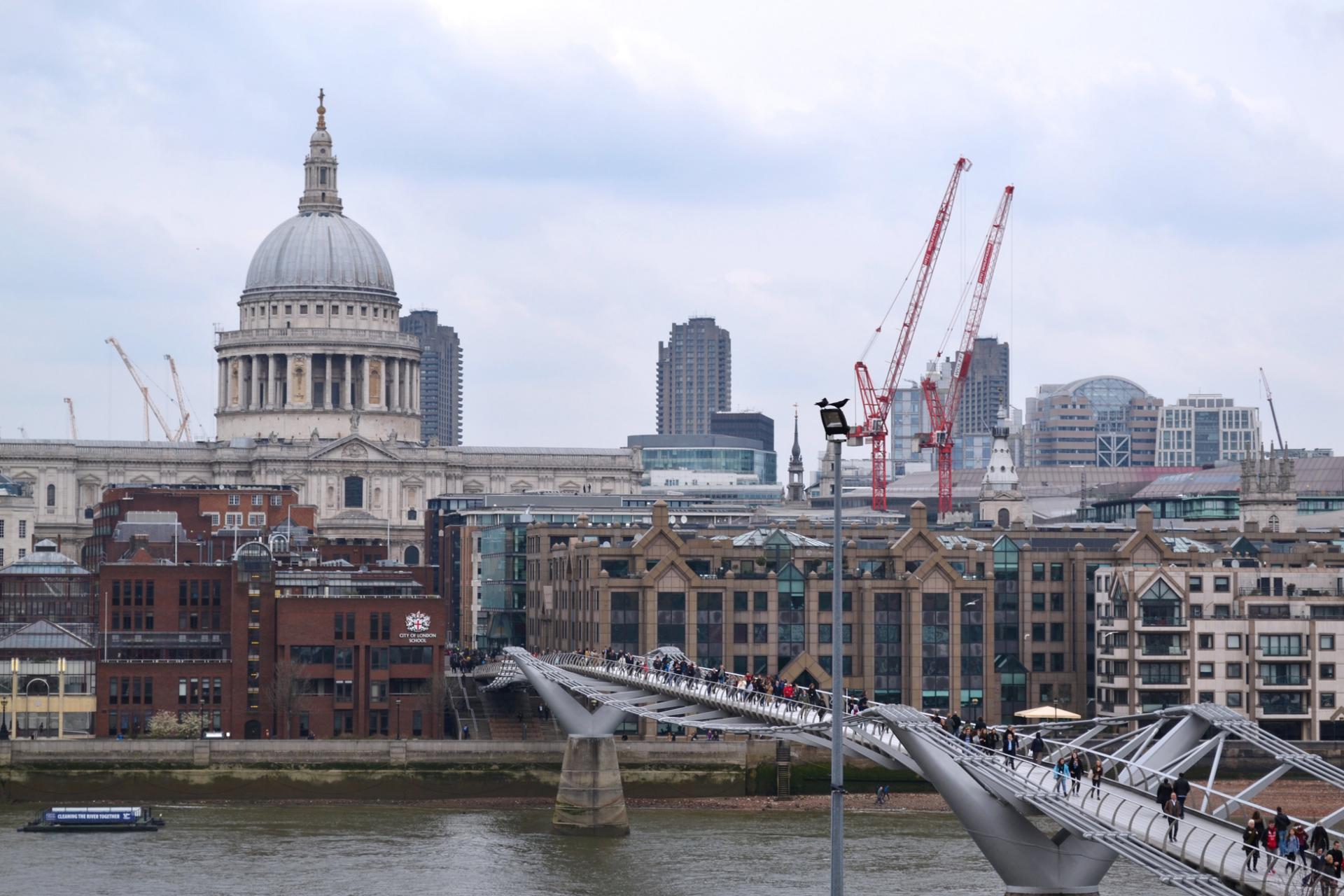 Vistas de la Catedral de San Pablo desde el Tate de Londres