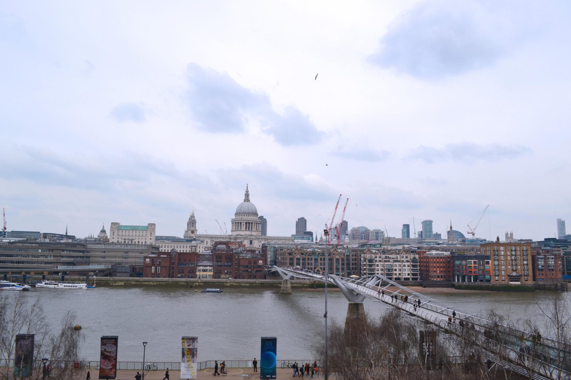 Vistas del Támesis desde el museo Tate Modern de Londres