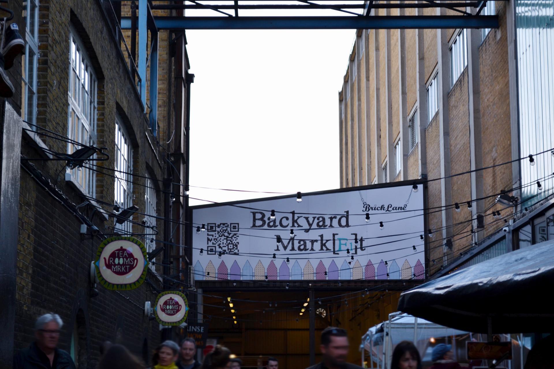 El Backyard Market en Brick Lane