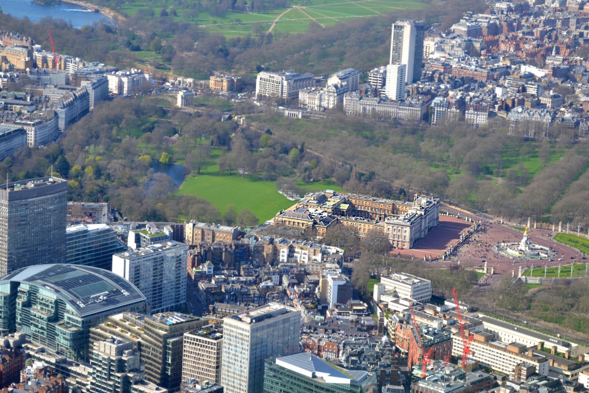 El palacio de Buckingham en Londres desde el aire
