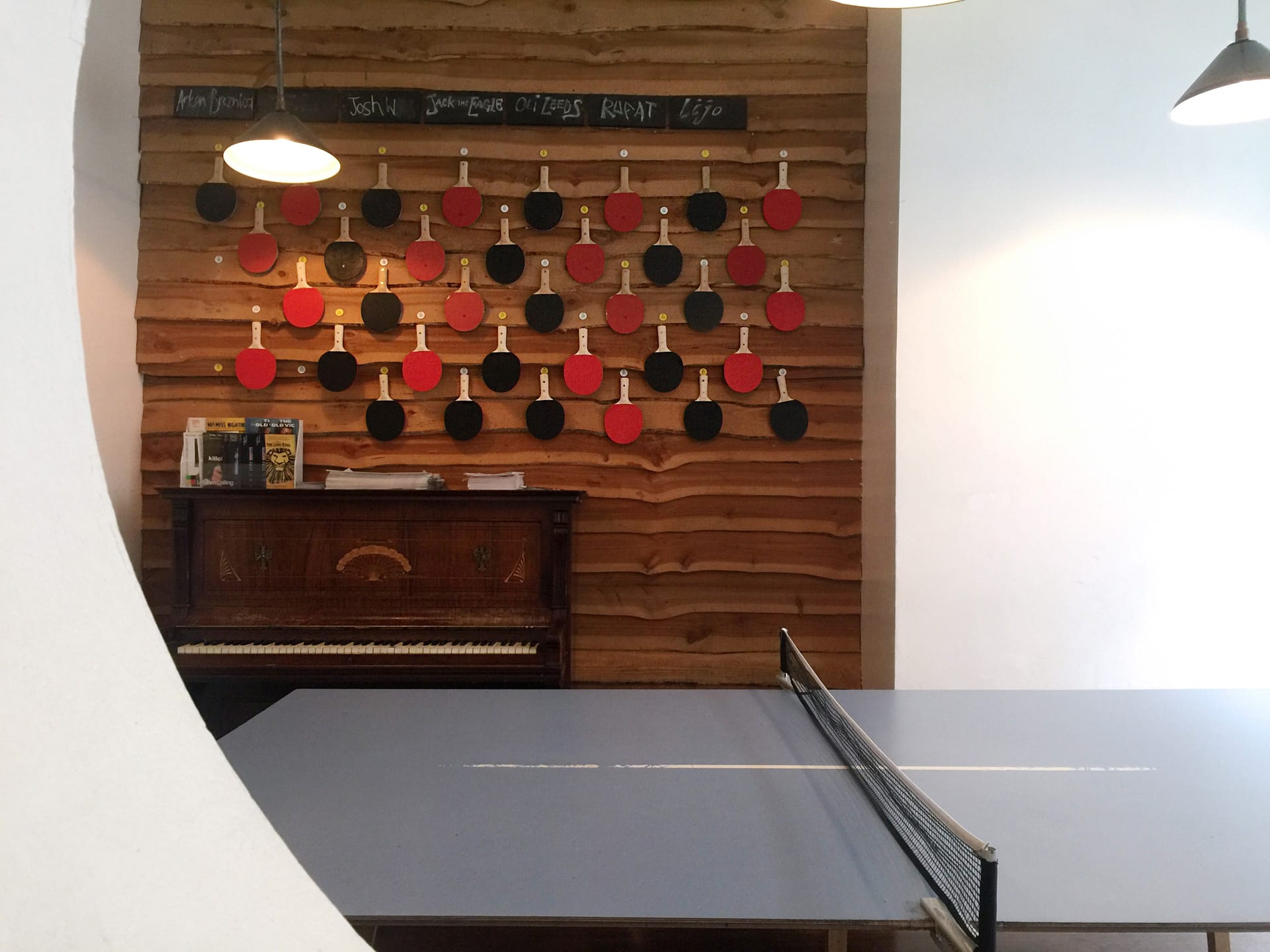 Mesa de Ping Pong en el Book Club de Shoredich, Londres