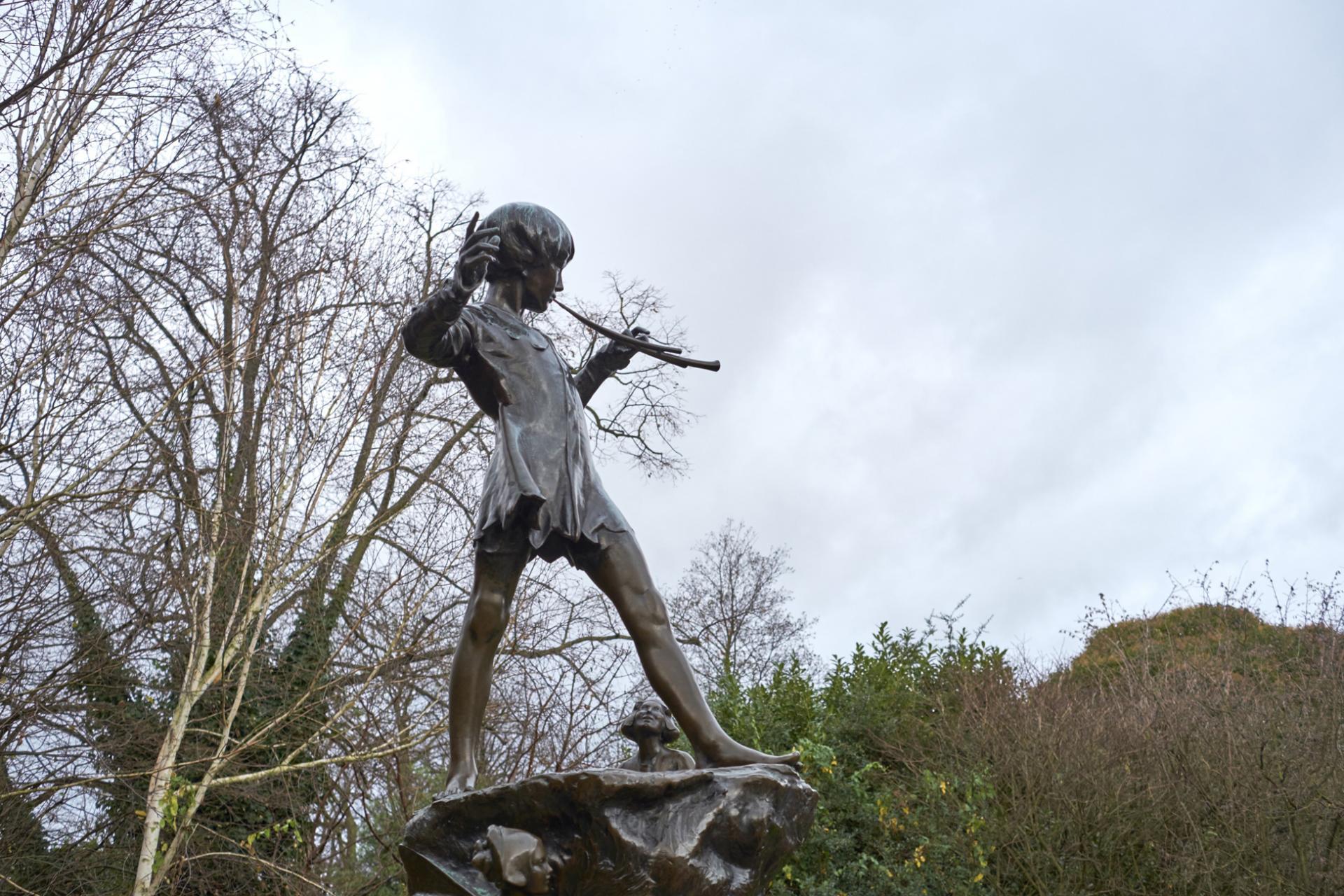 Estatua Peter Pan Londres: Kensington Gardens