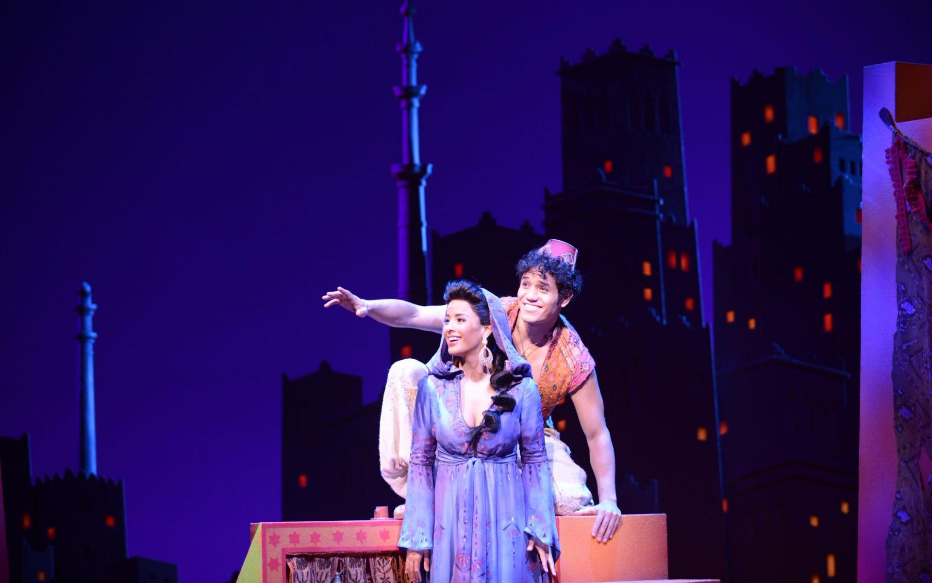 Aladdin y Jasmín en el musical de Londres