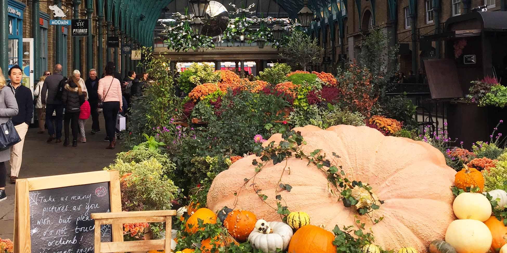 Decoración de Halloween en el mercado de Covent Garden