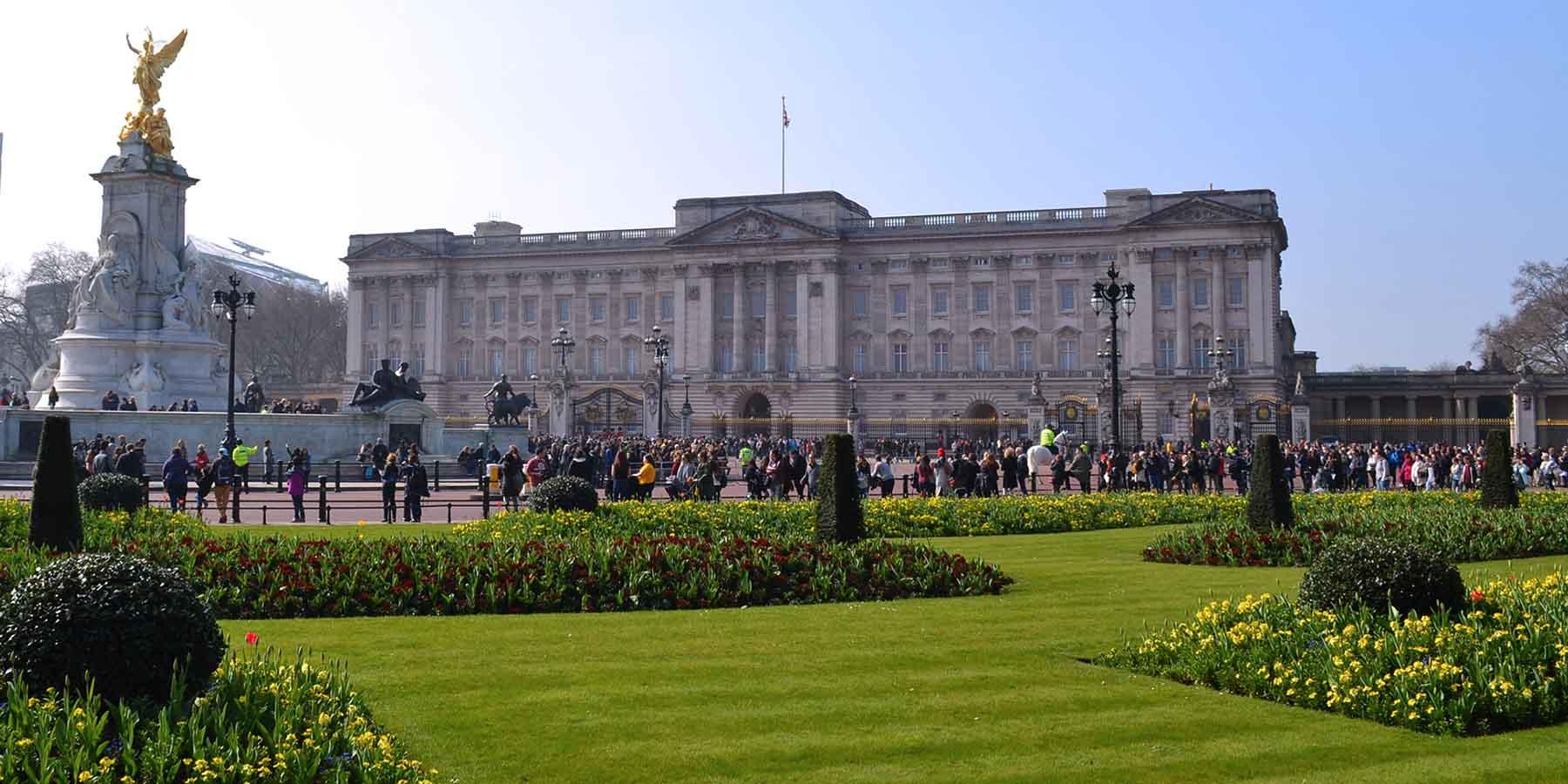 Resultado de imagen para buckingham palace abierto publico en el verano